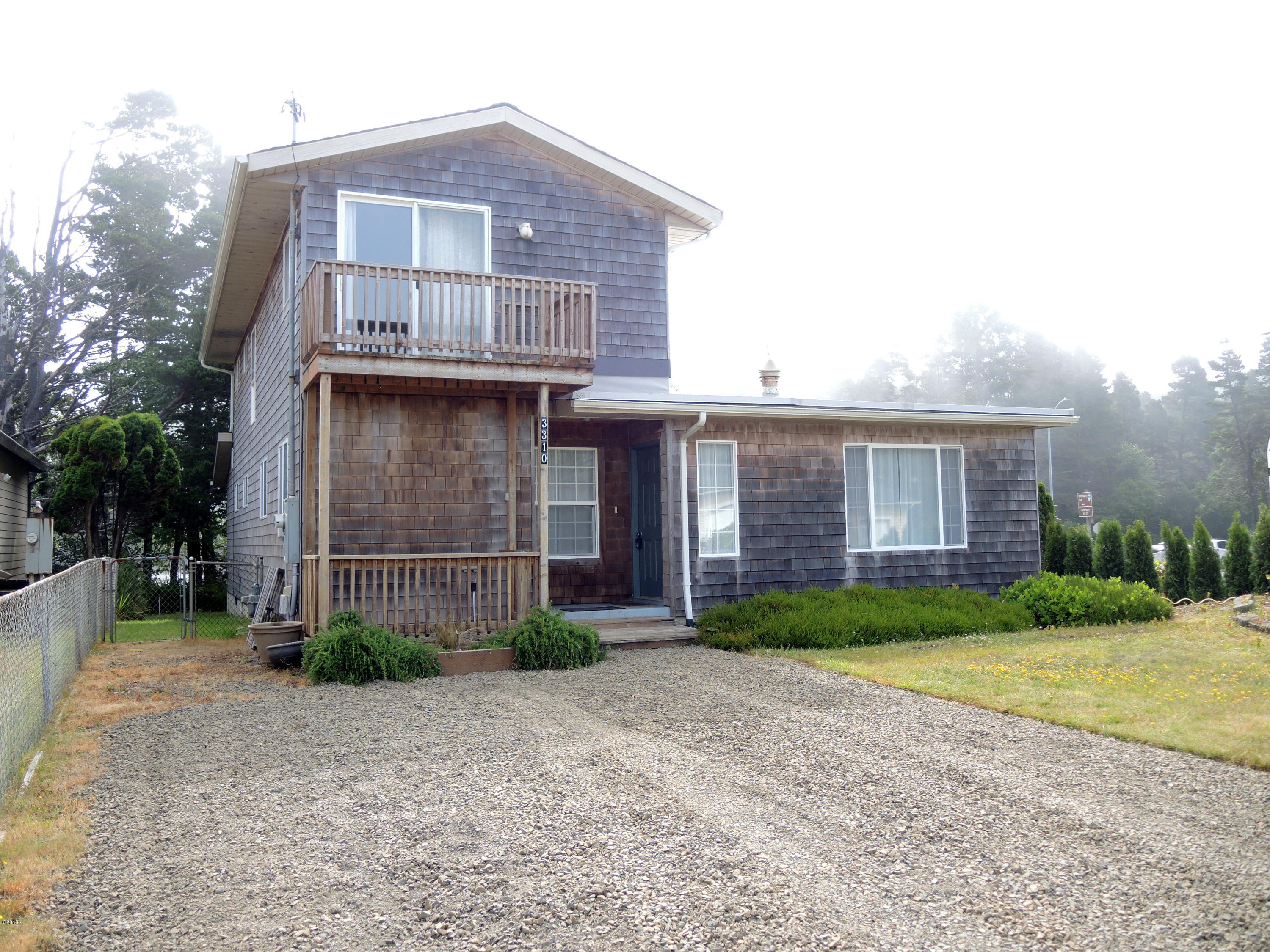 3310 Chinook Ave, Depoe Bay, OR 97341 - front