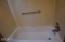 1510 NW 20th St, Lincoln City, OR 97367 - bathtub