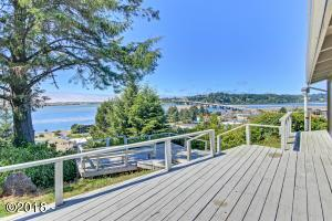 380 Pacific View St, Waldport, OR 97394 - 1