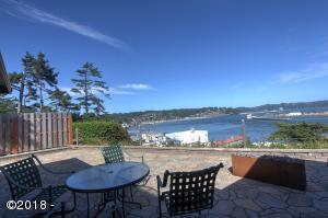 939 SW Bay View Ln, Newport, OR 97365