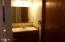 525 NE 10th St, Newport, OR 97365 - Main Bath