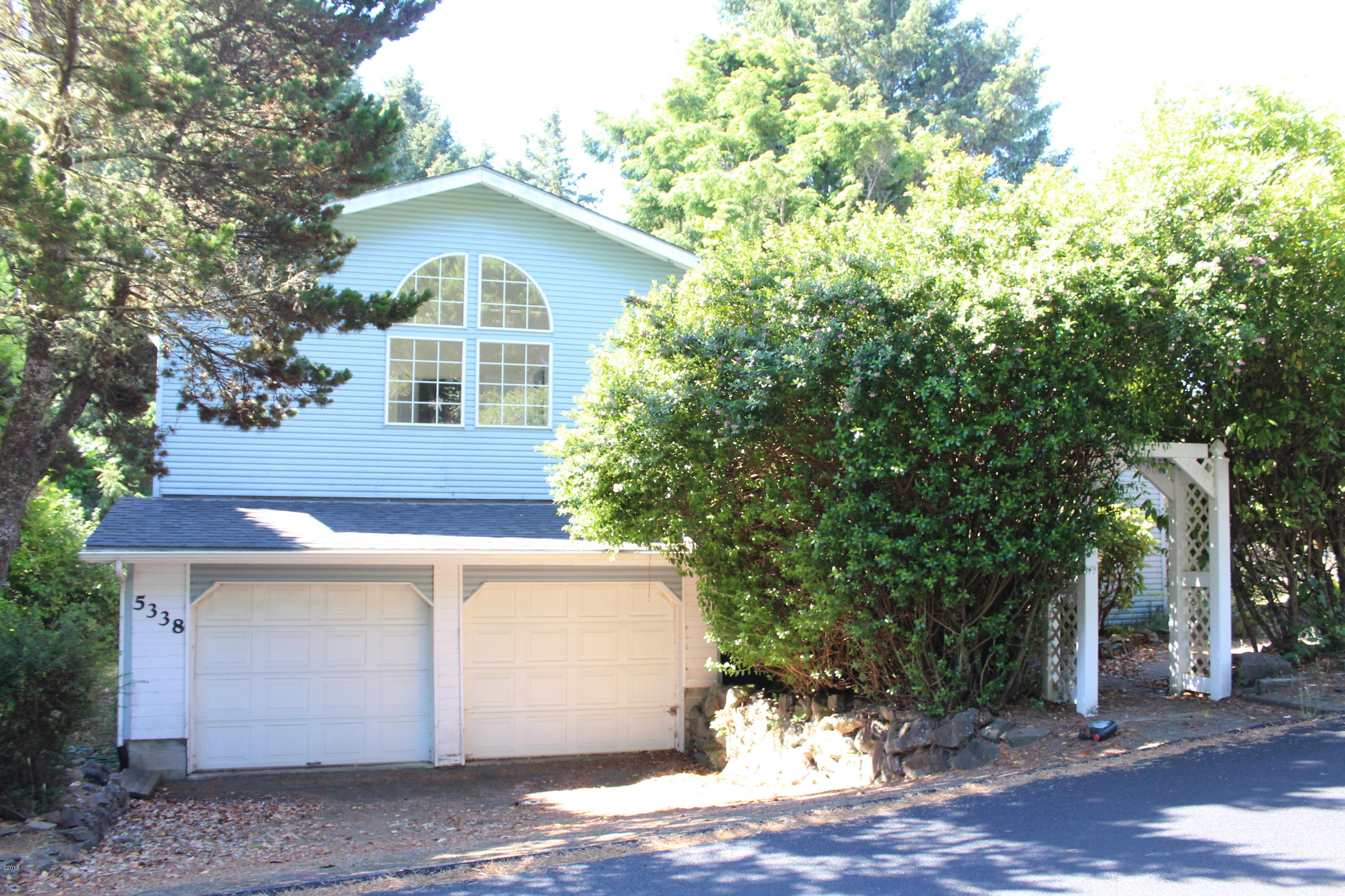 5338 NE Port Ln, Lincoln City, OR 97367 - Front View