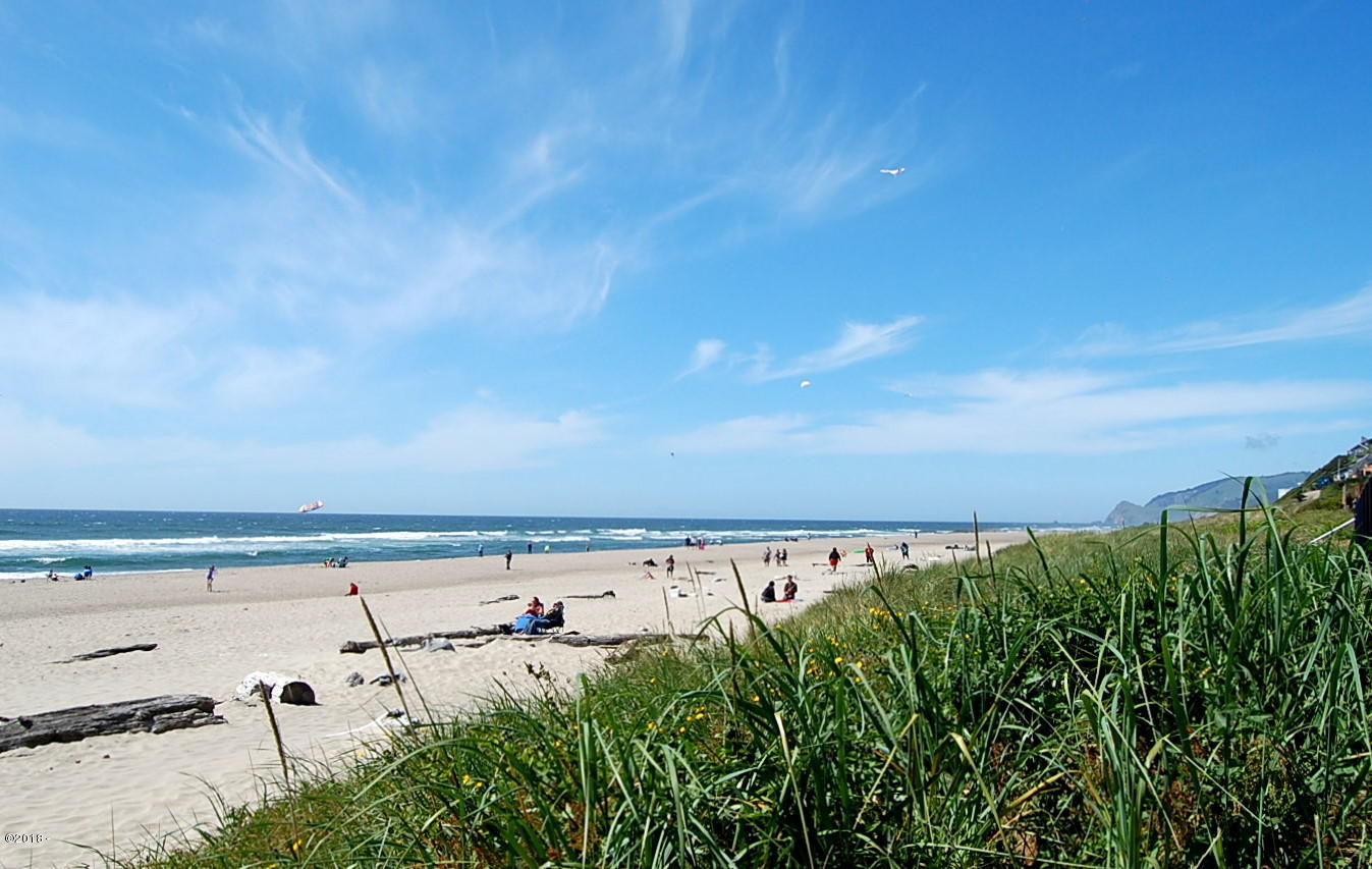 145 NW Inlet Ave, 216, Lincoln City, OR 97367 - Views