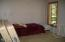 6340 N Hwy 101, Lincoln City, OR 97367 - Main level bedrom