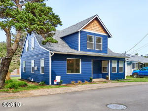 2945 SW Coast Ave., Lincoln City, OR 97367 - Curbside