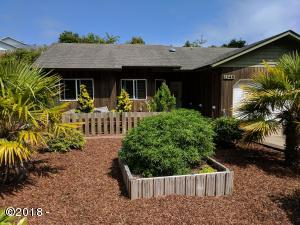 1345 SW Chad Dr, Waldport, OR 97394