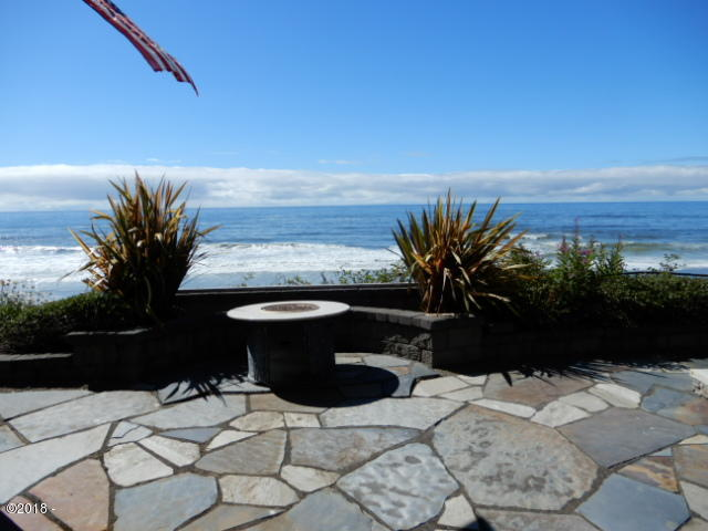 3625 Lincoln Ave, Depoe Bay, OR 97341 - Patio looking west