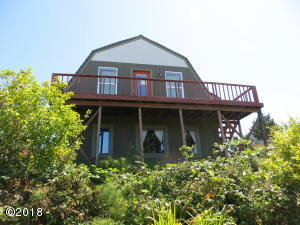 225 SE Hazelton Pl, Depoe Bay, OR 97341