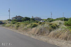 2010 NW Mackey St, Waldport, OR 97394 - Mackey