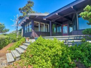434 NW 17th St, Newport, OR 97365