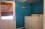 245 NE 10th St, Newport, OR 97365 - laundry