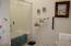 3802 Summit Ridge Cir, Depoe Bay, OR 97341 - Second  Bathroom
