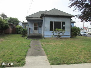 2407 3rd St, Tillamook, OR 97141 - Front of house