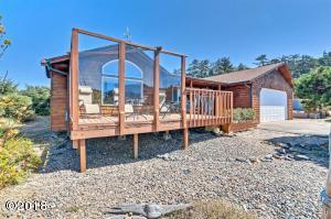 1906 NW Cockleshell St, Waldport, OR 97394