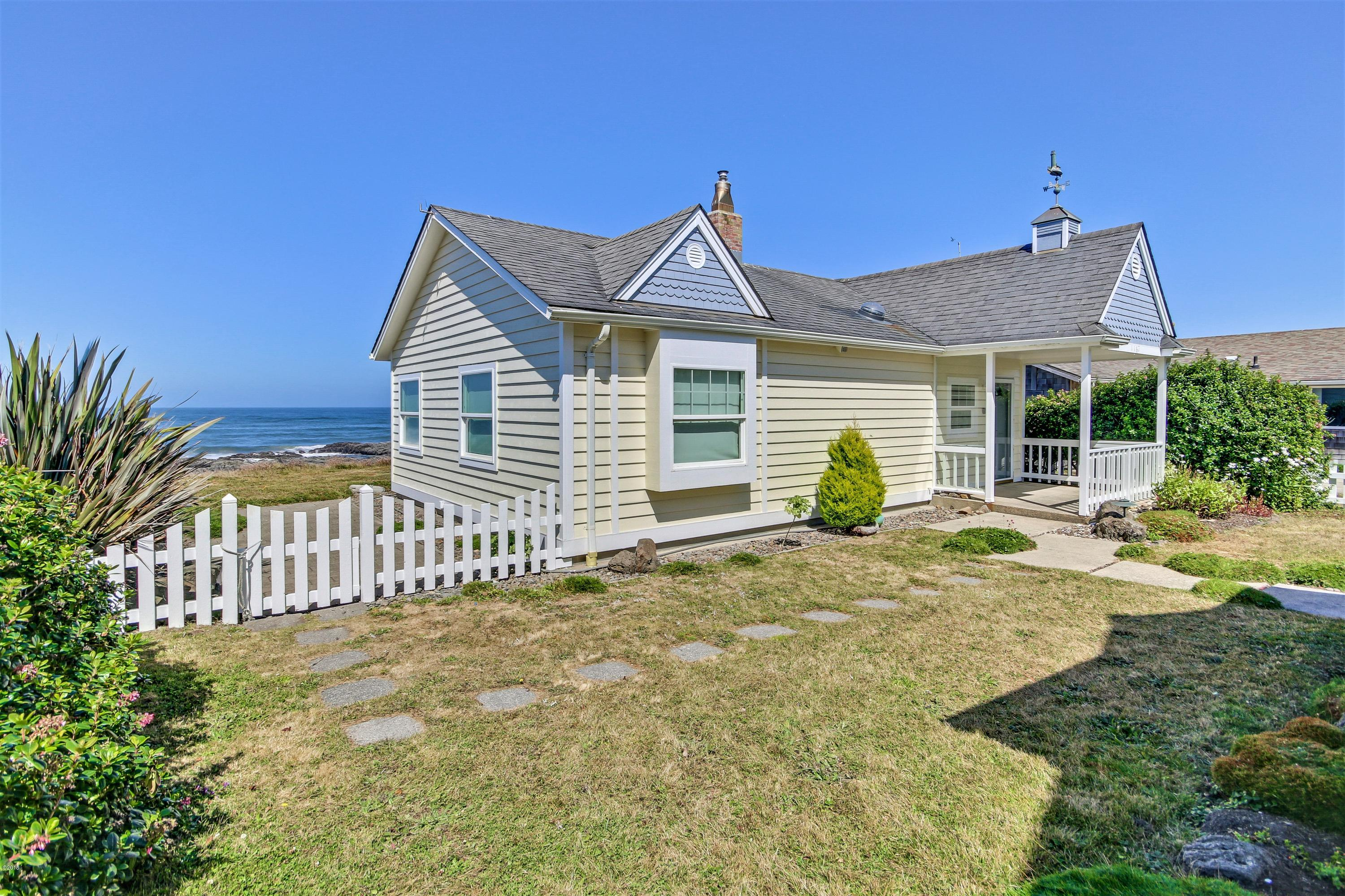1167 Ocean View Dr Yachats OR 97498