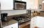 375 Kinnikinnick Way, Depoe Bay, OR 97341 - Kitchen appliances
