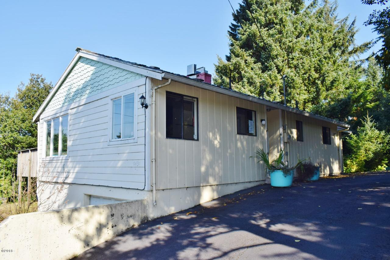 1431 NE Yaquina Heights Dr, Newport, OR 97365