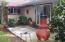 2011 SE Laurel St, Toledo, OR 97391 - Covered patio