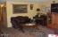 2011 SE Laurel St, Toledo, OR 97391 - Living room