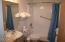 171 SW Hwy. 101 Unit 104, Lincoln City, OR 97367 - Bathroom