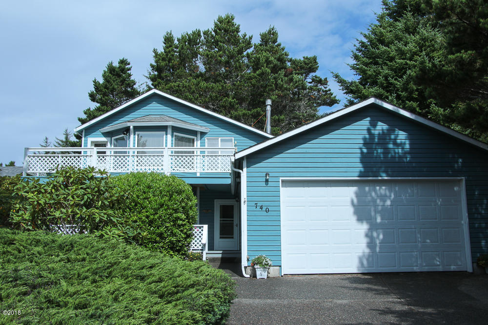 740 SW Range Drive, Waldport, OR 97394 - Welch Exterior