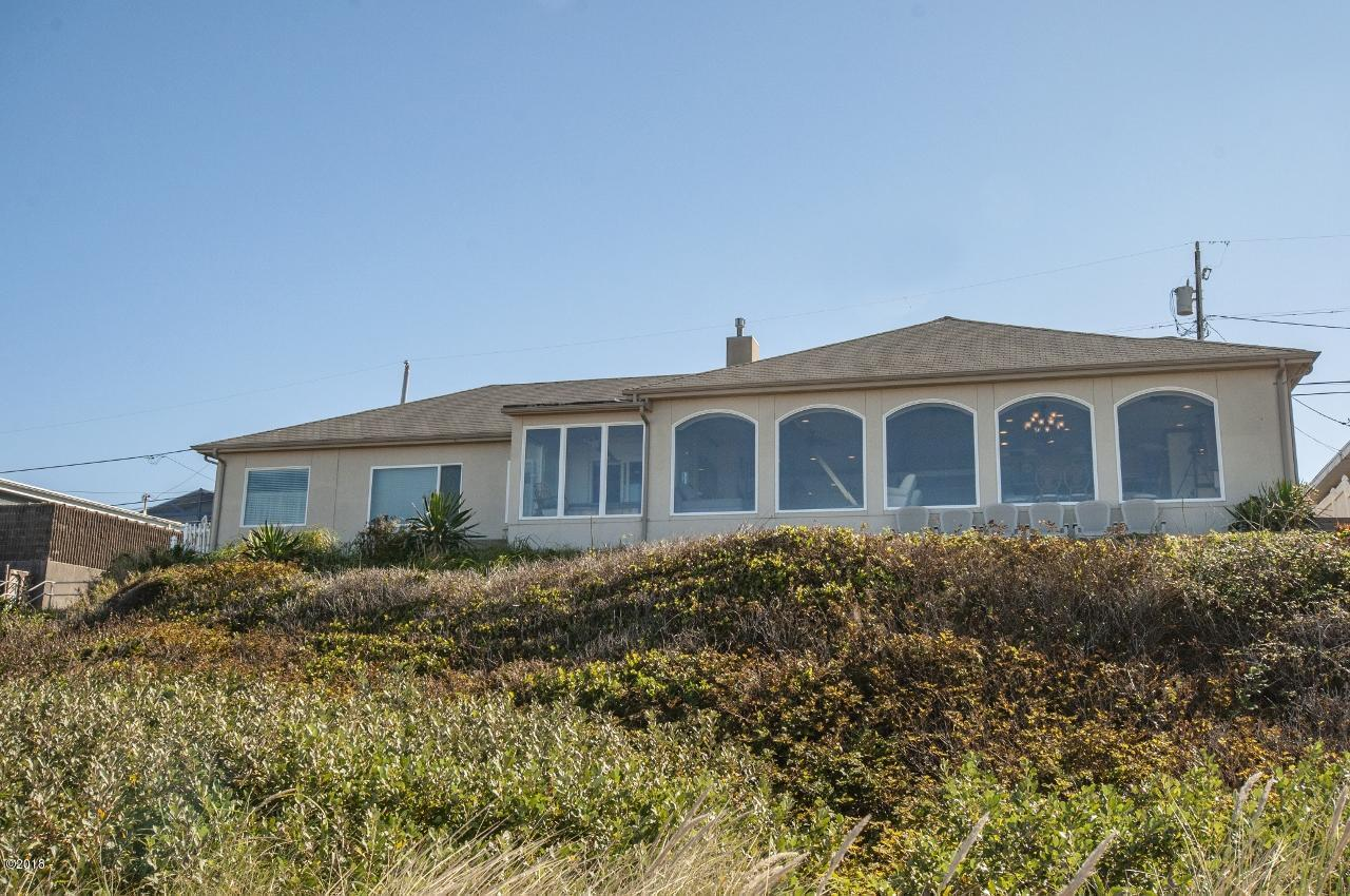 3755 NW Jetty Avenue, Lincoln City, OR 97367 - Exterior - Rear View (1280x850)