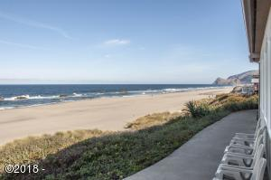 3755 NW Jetty Avenue, Lincoln City, OR 97367