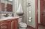 3755 NW Jetty Avenue, Lincoln City, OR 97367 - Jack & Jill Bath - view 2 (1280x850)