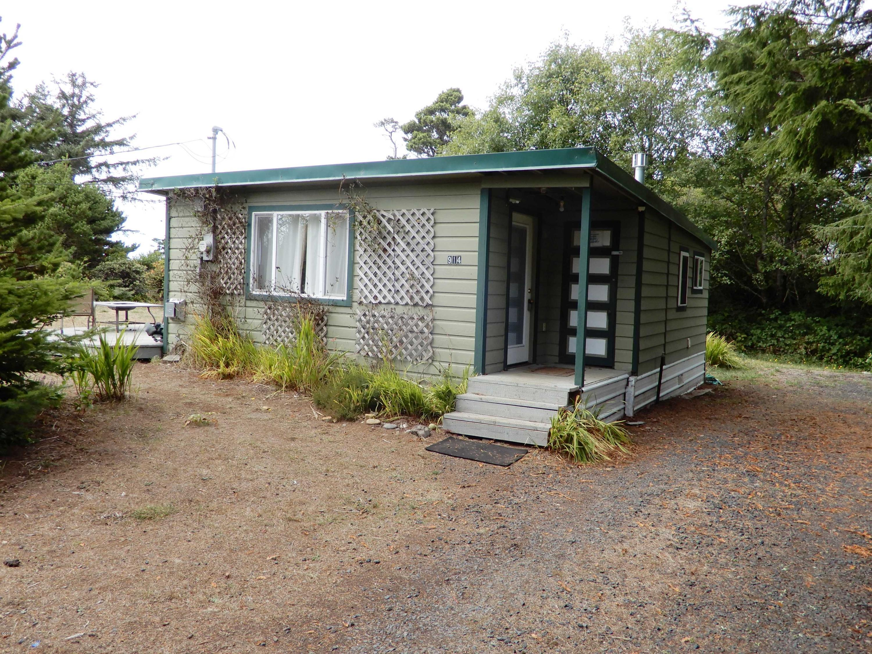 914 NW Park View Street, Seal Rock, OR 97376
