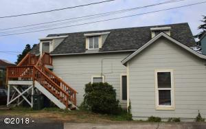 943 SW 12th St, Newport, OR 97365 - 3 bed Down and 2 Up