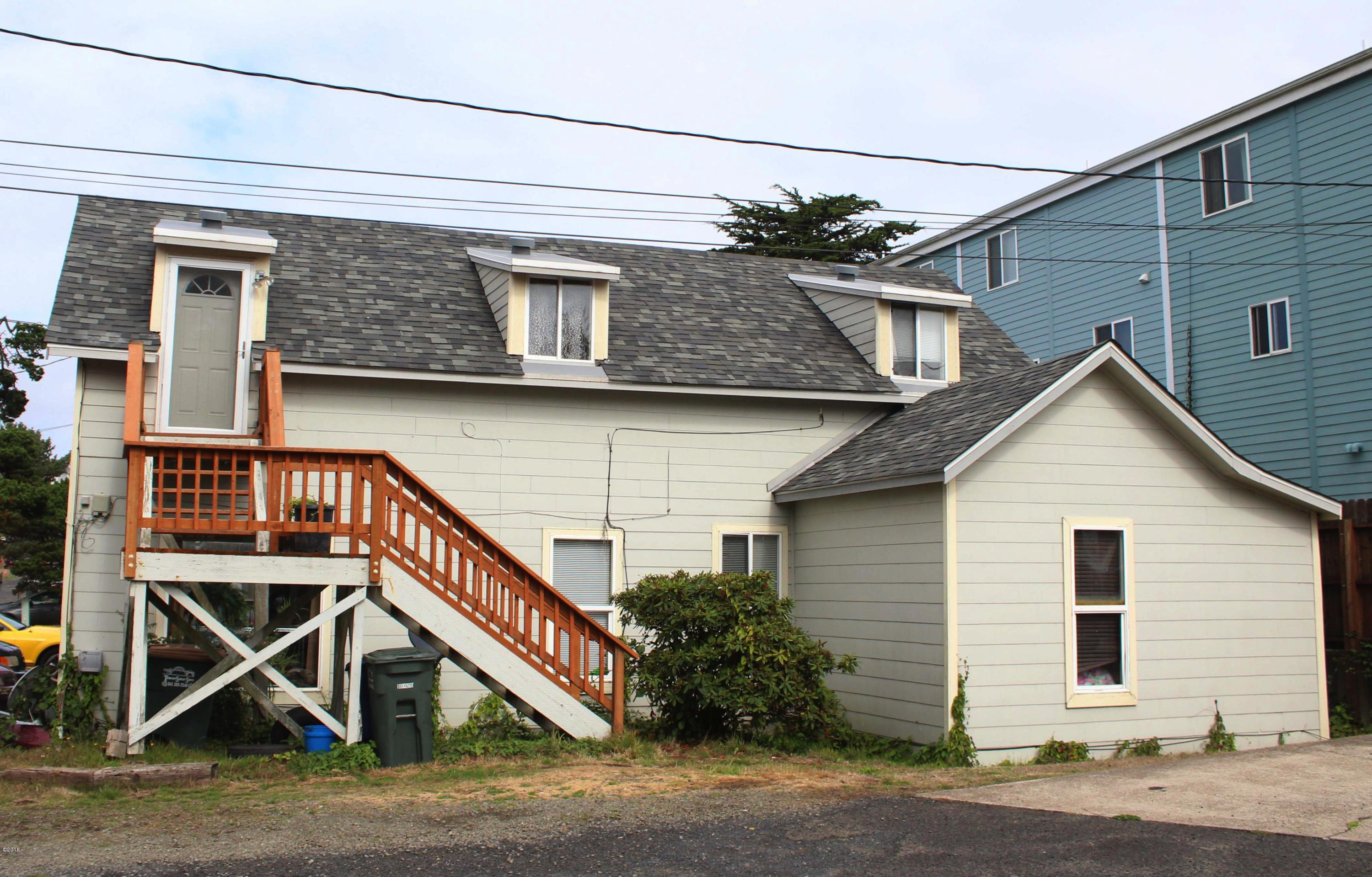 943 SW 12th St, Newport, OR 97365