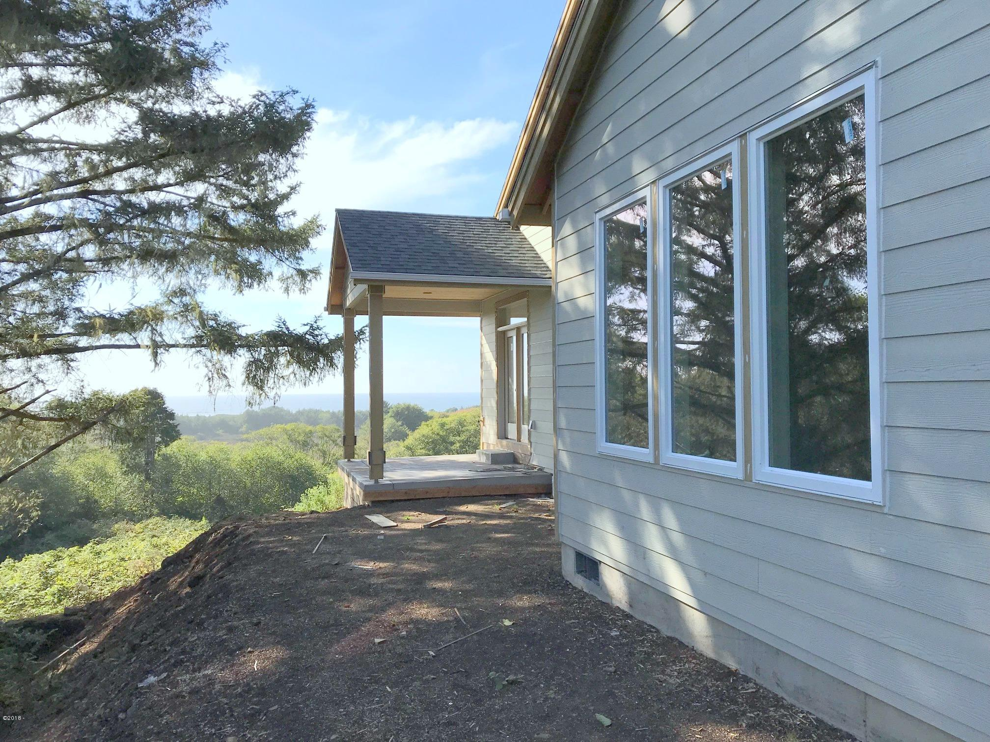 6375 Pelican Point Drive, Neskowin, OR 97149