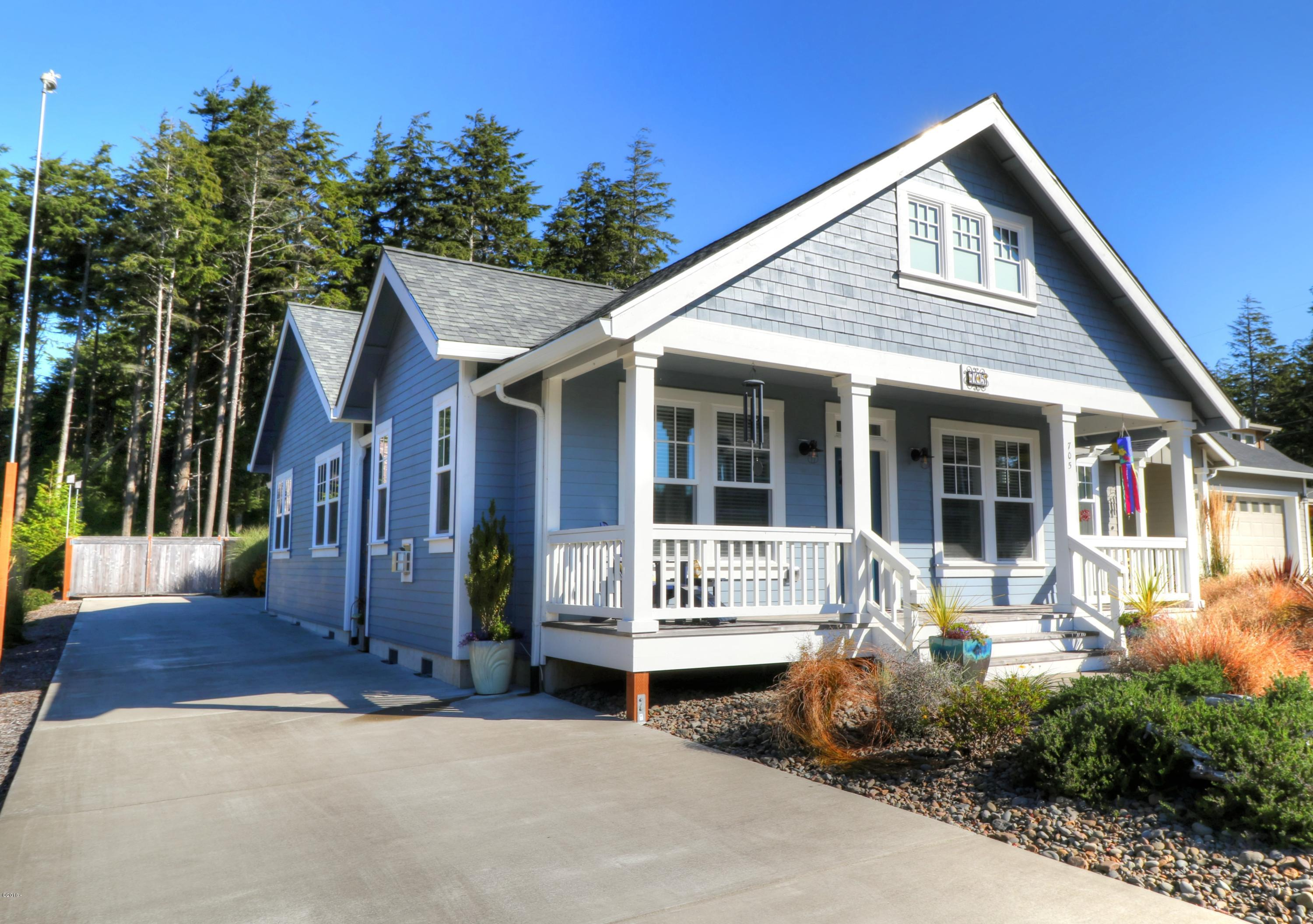 705 SE 43rd St., Newport, OR 97366