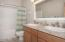 2781 SW Coast Ave., Lincoln City, OR 97367 - Guest Bath (1280x850)