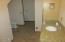 8208 Hwy 20, Toledo, OR 97391 - Bathroom