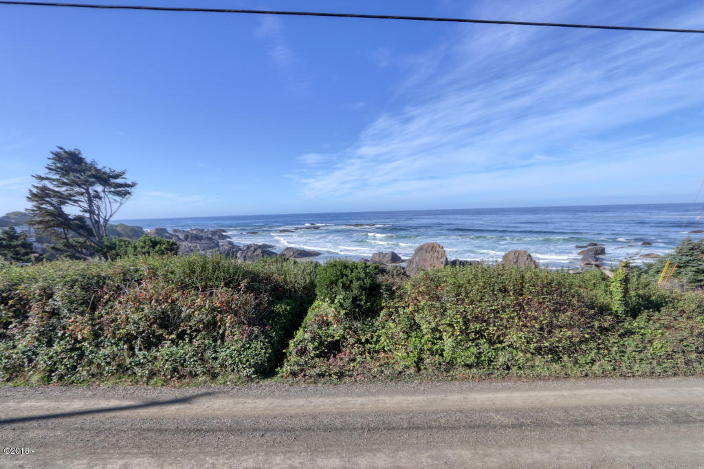 8717 NW Coast Rd, Seal Rock, OR 97376