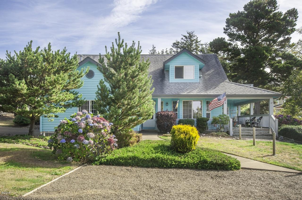 1330 SE 43rd St, Lincoln City, OR 97367 - Exterior