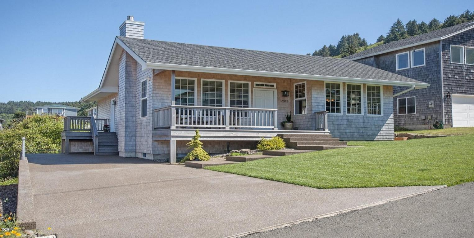 1905 NE 68th Street, Lincoln City, OR 97367