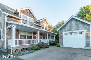 116 NW Lancer St, Lincoln City, OR 97367
