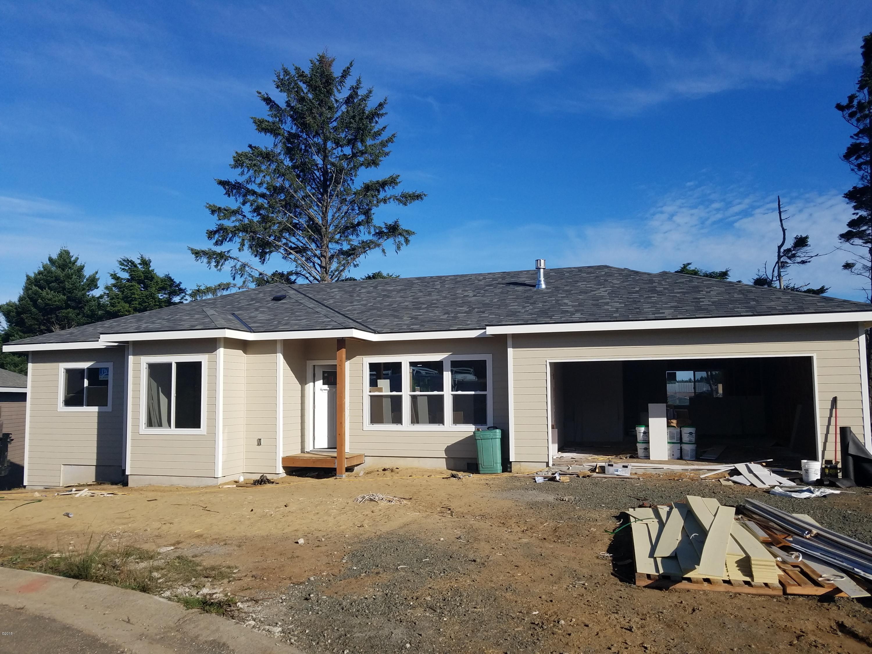 1275 SE 41st St, Lincoln City, OR 97367 - As of early October