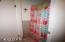 869 NW Beach Dr, 4, Newport, OR 97365 - Bath Shower