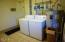 869 NW Beach Dr, 4, Newport, OR 97365 - Complex Laundry