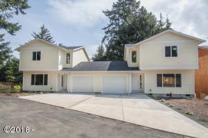 2270 NE Surf Ave, Lincoln City, OR 97367 - Curbside