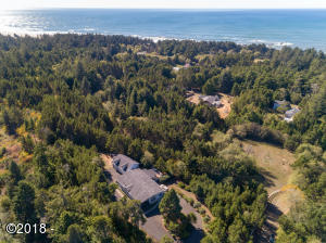 8624 NW Kinglet ST, Seal Rock, OR 97376