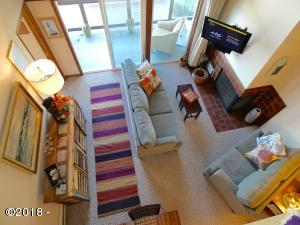 301 Otter Crest Loop #428-429 1/2 SHARE, Otter Rock, OR 97369 - Overview of Living Room