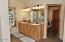 937 N Bayview Rd, Waldport, OR 97394 - Master Bath
