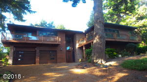 754 NW Highland Dr, Waldport, OR 97394
