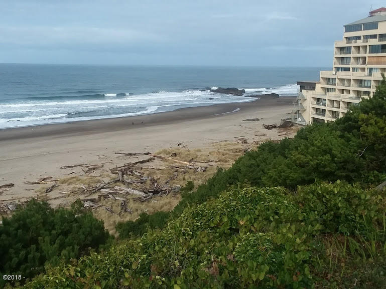 4229 SW Beach Ave, #5, Lincoln City, OR 97367 - Great Views!