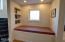 610 Lemwick Ln, Yachats, OR 97498 - library nook