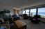 911 SW 2nd St, Newport, OR 97365 - Living Room
